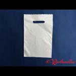 Poly-Tragetaschen weiß 20x30 cm geblockt Griffloch